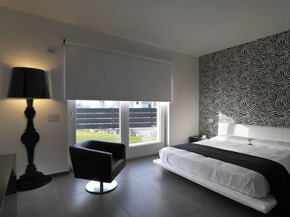 дровосек шторы черно белые в спальной комнате фото всегда полной технической